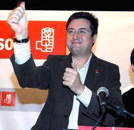 El apoyo de Ferraz deja a Óscar López como único aspirante a relevar a Villalba